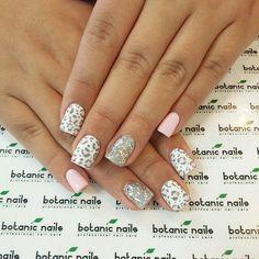 Animal print nails!