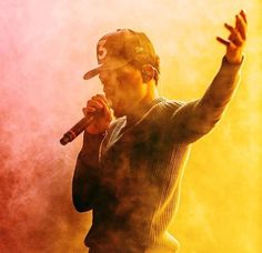 chance the rapper editorial Music Is My Escape, Music Is Life, My Music, Chance The Rapper Wallpaper, Chance The Rapper Quotes, Chill Mix, Famous Singers, Hip Hop Rap, Dope Art