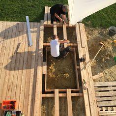 ein sandkasten in der terrasse mini montag bruderherz sandkasten und der kleine mann. Black Bedroom Furniture Sets. Home Design Ideas