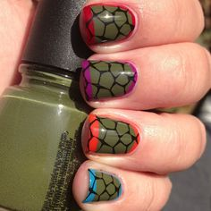 Great idea for mom and sister to get involved in the party - Teenage Mutant Ninja Turtle nail! #tmnt #partyplanning #kidsbirthday