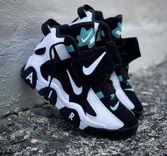 Nike air trainer teal white black - Hook Tutorial and Ideas All Nike Shoes, Kicks Shoes, Hype Shoes, Nike Boots, Shoes Jordans, Air Jordans, Shoes For Men, Running Shoes, Nike Heels