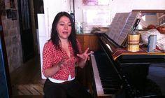 Le piano et les mains de Maria Paz Santibañez contre la dictature de Pinochet.