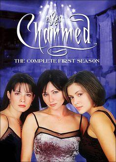 Serie de TV (1998-2006). 8 temporadas. 178 episodios. Prue, Piper y Phoebe Halliwell son tres hermanas brujas con poderes sobrenaturales, heredados de generaciones atrás, que usarán para resolver múltiples casos http://www.filmaffinity.com/es/film600379.html