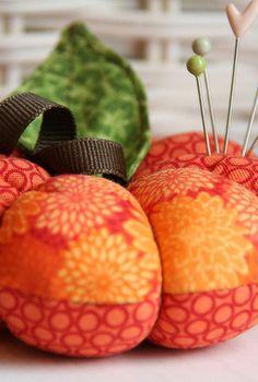 Pumpkin Pincushion tutorial