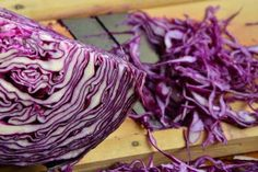 Red cabbage and fennel seed sauerkraut - Liz Earle Wellbeing Red Cabbage Benefits, Types Of Cabbage, Cabbage Juice, Red Cabbage Salad, Red Cabbage Sauerkraut, Celery Juice, Fermented Sauerkraut, Fermented Foods, German Red Cabbage