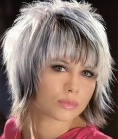 long razored hairstyles with bangs grey hair Medium Shag Haircuts, Short Shag Hairstyles, Short Haircut, Hairstyles With Bangs, Grey Hair With Bangs, Short Grey Hair, Short Hair With Layers, Choppy Hair, Edgy Hair