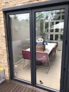 Aluminium Bifolding Doors Repaired in Chiswick W4 as part of our Bifold Door Repair Service in London. DWLG attended a House in the Chiswick W4 area of London to carry out a Aluminium Bifolding Door Repairs Chiswick W4 service.