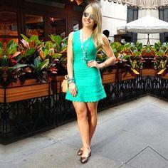 Vestido babado peplum verde