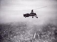 El autogiro de De la Cierva recorre los cielos de Madrid en 1934.