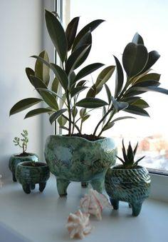 35 Amazing Ceramic Planters Design Ideas For Your Home Decoration - Cactus DIY Ceramic Pinch Pots, Ceramic Plant Pots, Ceramic Flower Pots, Ceramic Clay, Pottery Pots, Ceramic Pottery, Thrown Pottery, Pottery Wheel, Ceramic Decor