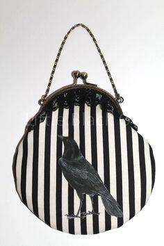 lovely raven handbag <3