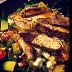 Healthy chicken salad Healthy Chicken, Chicken Salad, Healthy Food, Healthy Recipes, Delicious Recipes, Tasty, Yummy Food, Steak, Restaurant