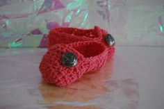 Cute Free Crochet pattern for Baby Slipper type booties