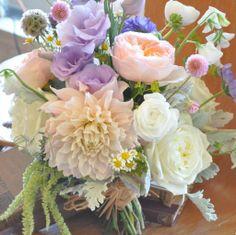 Dashing Wedding Bouquet Ideas - MODwedding