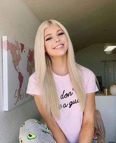 pijama - New Hair Styles Blonde Wig, Blonde Color, Hair Color, Loren Grau, Famous Girls, Popular Hairstyles, Lace Wigs, Straight Hairstyles, Short Hairstyles