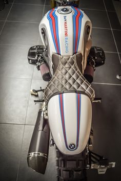 Excellent custom bikes photos are available on our website. Have a look and you wont be sorry you did. Triumph Motorcycles, Custom Motorcycles, Custom Bikes, Vintage Motorcycles, Bike Bmw, Cafe Bike, Cafe Racer Bikes, Cafe Racers, Bicycle Shop