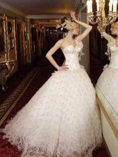 Wedding dress    www.offcampusapartmentfinder.com