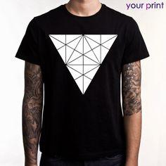 Футболка черная - принт треугольник  / Black t-shirt - print Triangles
