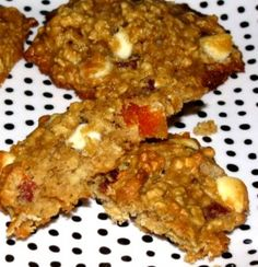 These healthy Peaches and Cream Oatmeal Cookies are rich, delicious, and good for you, too!