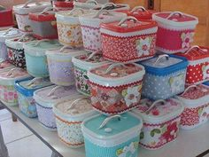 Plastic Bottle Crafts, Plastic Pots, Plastic Bottles, Plastic Containers, Recycling Containers, Recycled Crafts, Diy And Crafts, Crafts For Kids, Ice Cream Tubs