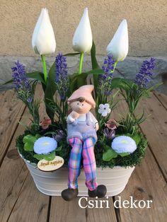 Tavaszi asztaldísz- Anyák napjára Flower Arrangements, Diy And Crafts, Easter, Christmas Ornaments, Holiday Decor, Spring, Creative, Flowers, Home Decor
