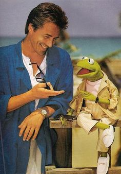 """Kermit and Crockett/ """"Miami Vice"""" Don Johnson, Dakota Johnson, Miami Vice, Jim Henson, Division Miami, Missouri, Vice Tv Show, Die Muppets, Mejores Series Tv"""