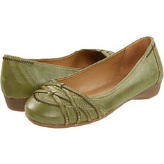 Green is lovely for spring! Love green shoes....you can never have too many, right?