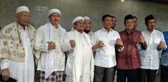 Image result for habib rizieq ke rumah wiranto