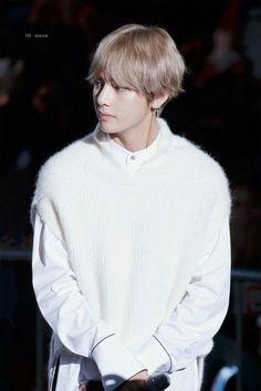 Taehyung BTS - Inkigayo 24.09.17