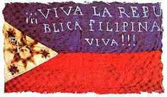 """Early flag of the Filipino revolutionaries (""""Long live the Philippine Republic! The first two constitutions were written in Spanish. Via Wikipedia. Spanish language in the Philippines People Power Revolution, Emilio Aguinaldo, University Of Santo Tomas, President Of The Philippines, Spanish Flags, Banaue, Intramuros, Ilocos, Filipino Culture"""