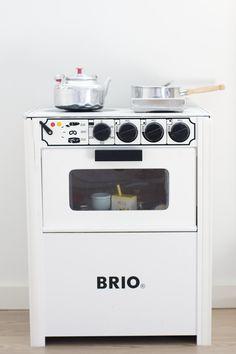 brio kitchen for kids Brio Toys, Kids Toy Kitchen, Kids Room Design, Kids Corner, Old Toys, Kidsroom, Toys For Boys, Decoration, Kids Playing