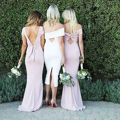So excited to see these adorable shots of the collaboration we did with the lovelies at @katiemaycollection . Check out their gorgeous new bridesmaids collection available soon!! #nybm2016 #bridesmaidsgowns #bridesmaidsdresses  _______________________________________  Photographer: @nicolelhill_  Make up: @kcwitkamp  Models: @kasetleevollmer @jamielabarber @emilybosch  _______________________________________ .  #lillabello #bridesmaidsbouquets
