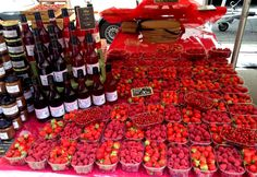 Strawberries and raspberries in Enfants Rouges market. Raspberries, Strawberries, Marketing, Food, Strawberry Fruit, Essen, Raspberry, Meals, Strawberry