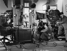 Frank Capra, seen directing James Stewart and Jean Arthur in Mr. Smith Goes to Washington, 1939 Barbara Stanwyck, Martin Scorsese, Alfred Hitchcock, Stanley Kubrick, Old Movies, Vintage Movies, Classic Hollywood, Old Hollywood, Yo Claudio