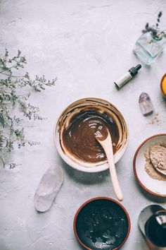 DIY Honey Mud get gorgeous glowing skin with this 4 ingredient face wash made with raw HONEY! Homemade Beauty, Diy Beauty, Beauty Stuff, Skin Care Regimen, Skin Care Tips, Rhassoul, Rose Essential Oil, Face Skin Care, Raw Honey