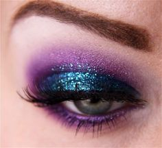 Im SO trying this!! // Purple glitter eyeshadow Mardi Gras inspiration!