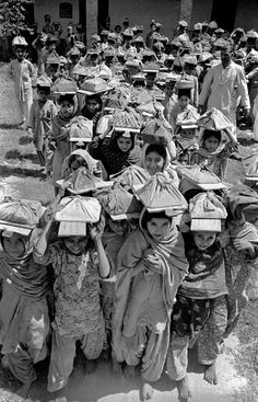 1952, Lahore, Pakistan, school kids, by Frank Horvat