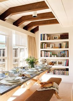 built-in shelves (via ElMueble) - my ideal home...