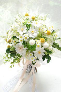 Summer Wedding Bouquets, Flower Bouquet Wedding, Spring Wedding, Floral Wedding, Wedding Colors, Daisies Bouquet, Yellow Wedding Flowers, Beautiful Flower Arrangements, Floral Arrangements