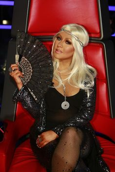 Christina Aguilera, GET THE LOOK - VOICE SHOW LAST NIGHT love her hair