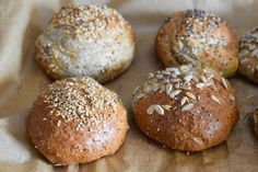 Low Carb Rolls perfect for dinner takeaway or lunch. Soft inside nice brown outside! LowCarbBrötchen # The post The BEST & DELICIOUS Low Carb (Breakfast) rolls appeared first on Win Dessert. Low Carb Lunch, Low Carb Breakfast, Breakfast Recipes, Detox Breakfast, Breakfast Cookies, Breakfast Dessert, Recipes Dinner, Lunch Recipes, Breakfast Ideas