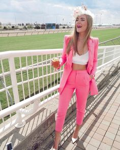 Modern pink suiting for Derby 🐎👒 Kentucky Derby Fashion, Kentucky Derby Outfit, Derby Outfits, Pretty Outfits, Pretty Clothes, Derby Dress, Pink Suit, Derby Day, Two Piece Outfit