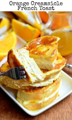 This is an amazing breakfast! Orange Creamsicle French Toast is a beautiful breakfast of French toast stuffed with orange kissed cream cheese and topped with warm orange maple syrup! Breakfast Desayunos, Breakfast Items, Breakfast Dishes, Breakfast Recipes, Recipes Using Cream Cheese, Best French Toast, Orange French Toast Recipe, Table D Hote, Little Lunch