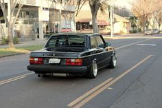 Volvo 242 '80s style - StanceWorks