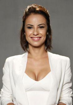 A atriz Andreia Horta adotou um corte moderno e desestruturado para viver a Maria Clara, na novela 'Império'