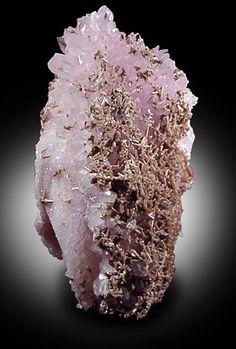 Eosphorite on Rose Quartz crystals from Taquaral, Minas Gerais, Brazil #gems #gem #metals #metal #rocks #rock #crystals #crystal #quartz #minerals #mineral