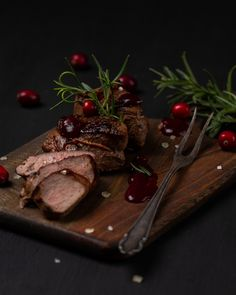 #venison  medallions with #cranberrysauce Lisa Bauer, Cranberry Sauce, Venison, Main Dishes, Drinks, Christmas, Recipes, Food, Food Food