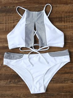 ¡Cómpralo ya!. Pinstrip Detail Lace Up Cutout Front Bikini Set. White Tankinis Sexy Vacation Bandeau Nylon/Spandex YES Striped Swimwear. , bikini, bikini, biquini, conjuntosdebikinis, twopiece, bikini, bikini, bikini, bikini, bikinis. Bikini  de mujer color blanco de SheIn.