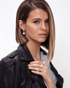 Thinking about a showstopper of a haircut? Here it is! Enjoy RushWorld boards, PSST... YOU MIGHT NEED THIS, UNPREDICTABLE WOMEN HAUTE COUTURE and MOOD BUSTERS FEEL BETTER NOW. Follow RUSHWORLD on Pinterest! New content daily, always something you'll love!