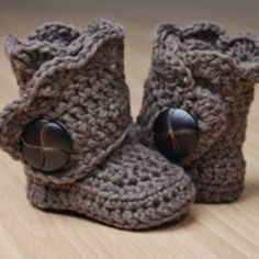 crochet booties. i just melted...